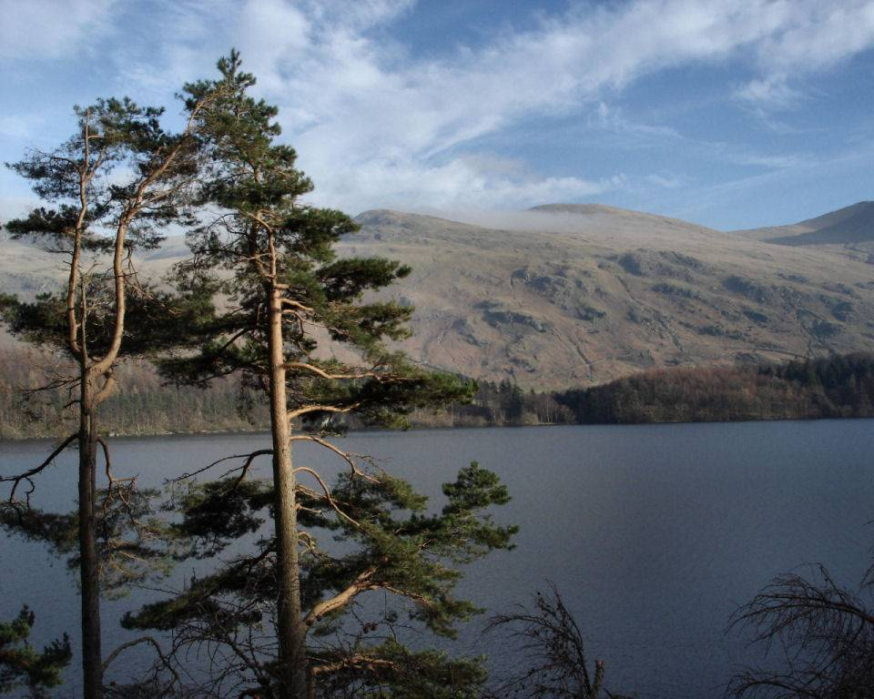 http://www.english-lakes.com/images/wallpapers/1024_thirlmere_and_the_helvellyn_massif.jpg